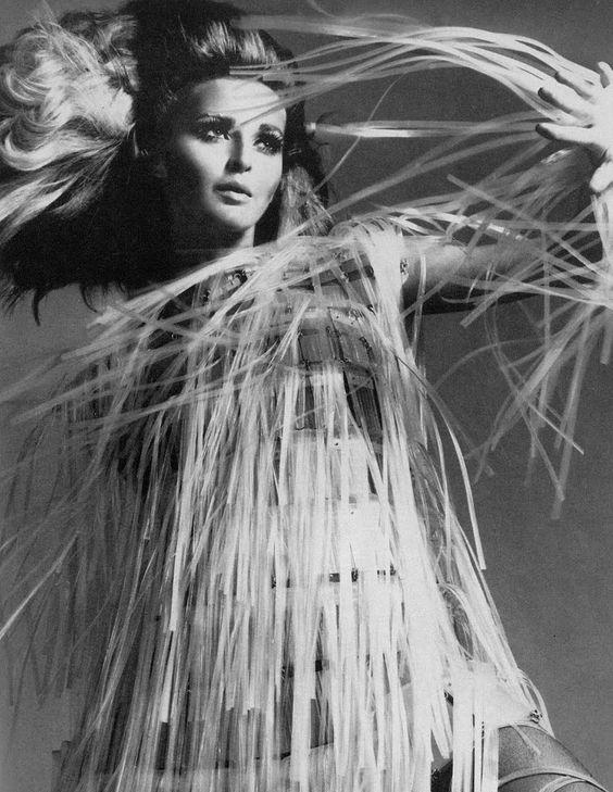 Samantha Jones ph Richard Avedon  March 1967