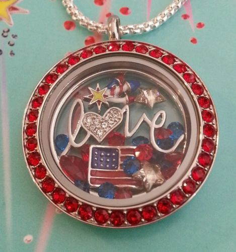 ORIGAMI-OWL-PATRIOTIC-4TH-OF-JULY-RED-CRYSTAL-LOCKET-TRIPLE-FIREWORK-5-CHARM