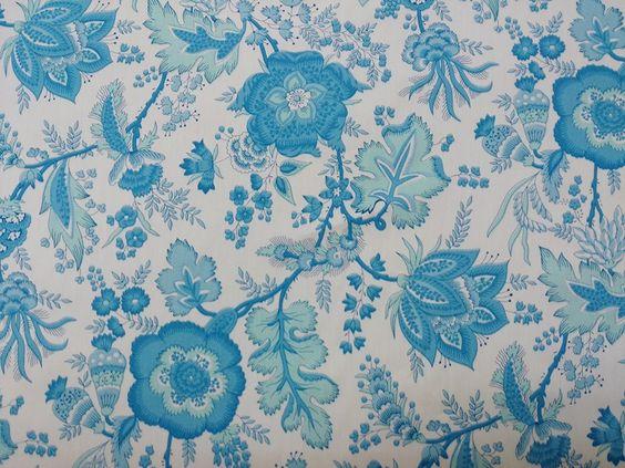 Compra de telas online algodón con estampado de flores en turquesa con fondo blanco