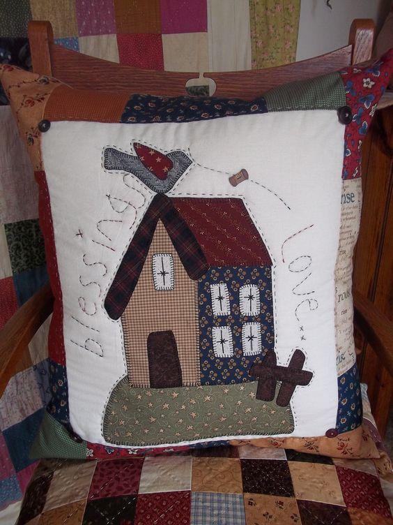 Tiki brophy my quilt room my quilt room pinterest quilt - Cojines de patchwork ...