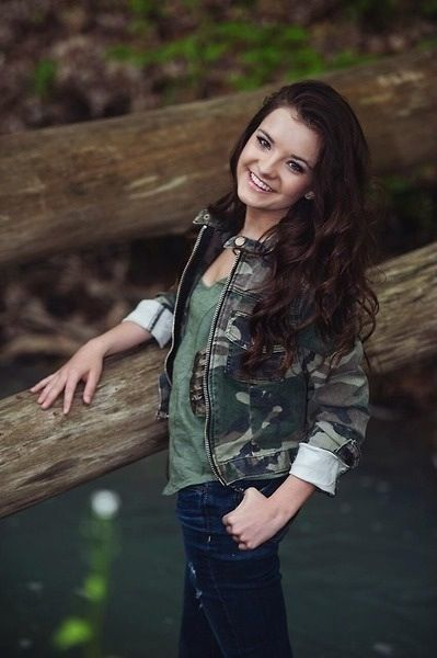 Brooke hyland day 5 favorite Brooke solo- Helen Keller