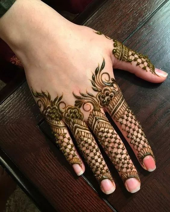 Unique finger mehndi design