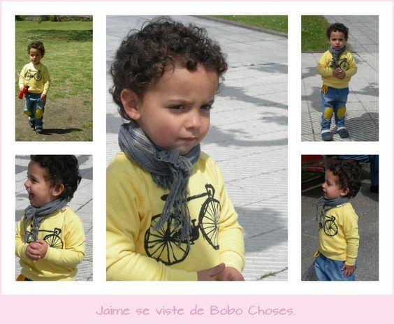 Pantalones y sudadera Bobo Choses  Pañuelo Zara Kids  Zapatos: Crocs
