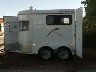 Snickers new carriage ! So many doors will open now that we can get on the road !