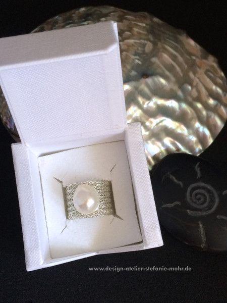 Ringe - doppelt gestrickter DRAHT-RING mit Süßwasser-Perle - ein Designerstück…