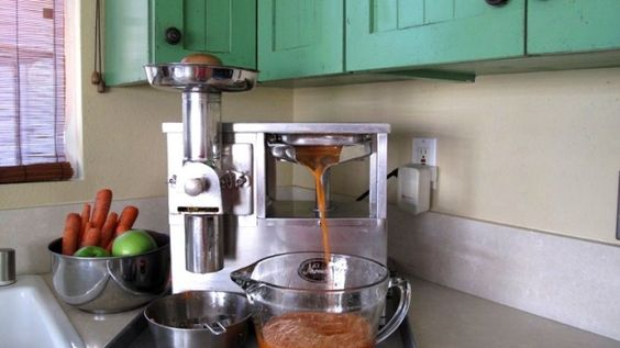 Gerson juicer!!  The man who invented this juicer lived to be 117 years old!!: Recommended Juicers, Best Juicers, Juicers Juicing, Bestjuicer Review, Juicers Best, Norwalk Juicer, Juicers Gerson, Therapy Juicer, Juicer Gerson