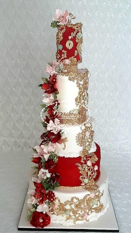 Red White And Gold Cake With Flowers Weddingcake