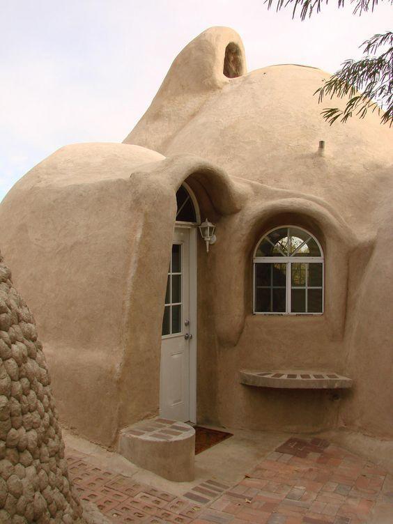 12 Fachada De Casa Rustica En Adobe Formas Suaves Casasrusticasecologicas Casas De Adobe Fachadas De Casa Rusticas Casas Ecologicas