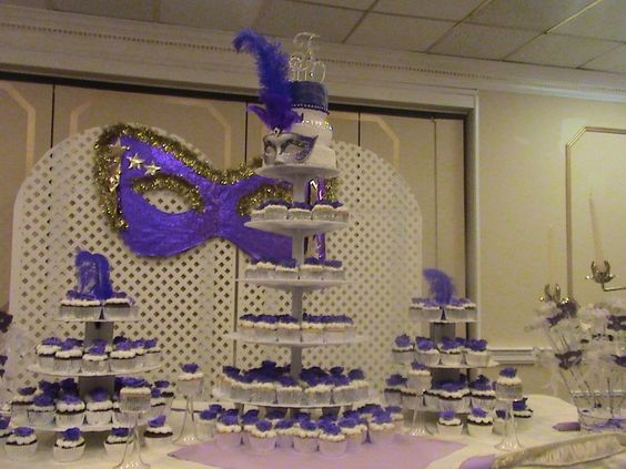 Cupcake Decorating Ideas For Church : Amazing Quince Cakes Quinceanera - Victorian Themed   La ...