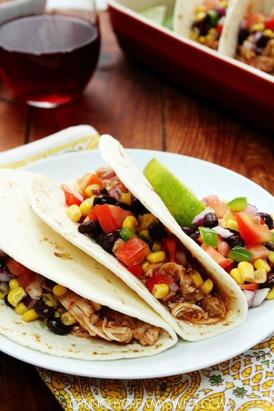 Slow Cooker Chicken Tacos #recipe #Mexican #tacos crunchycreamysweet.com
