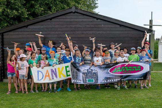 Am 30. Juli 2016 fand im Zuge des Ferienprogramms das jährliche Jugendfliegen des Modellfliegervereins Freising statt. 33 Jugendliche nahmen teil. Durch Jamara war es möglich, jedem Teilnehmer einen Preis für seine gezeigten Leistungen zu übergeben.