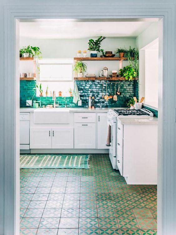 desain warna dapur kecil