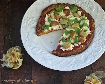 Roasted Cauliflower Pizza w/ Baby Arugula & Roasted Garlic
