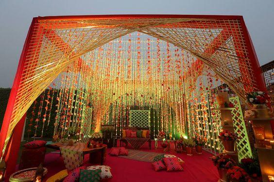 Perfect Mehendi decor!  #IndianWedding #weddingdecor #FlowerDecor #MehendiDecor #Ideas #Inspirations #Wedzo #WedzoWedding #Shaadi