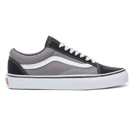 vans grises y negras