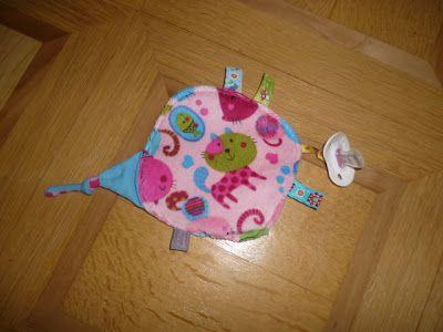 Eigentlich war ich ja bis anhin kein grosser Fan von Knistertüchern, aber seit ich meinen eigenen Prototyp genäht habe und meine Babies kau...