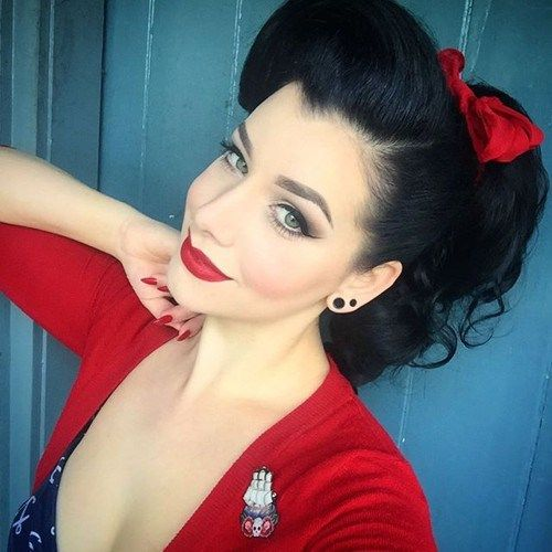 pin+up+ponytail+with+a+red+bow