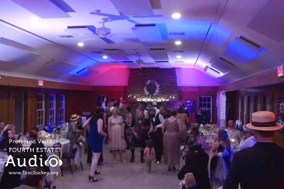 The Lake Ellyn Boat House erupted in a dance of light and motion, thanks to #ChicagoWeddingLighting by Fourth Estate Audio. http://www.discjockey.org/lighting-uplighting-options/
