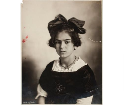 Young Frida Kahlo (age 11) - Guillermo Kahlo