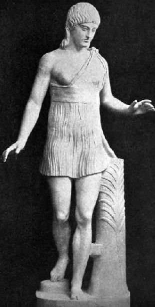 Spartan female athelte-victor. Marble, Greek artwork, 1st ...