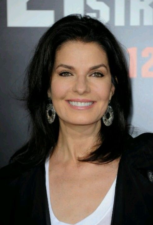 Sela Ward: Celeb Sela Ward, Layered Cut, Hair Cut, Length Hairstyles, Hairstyle Haute, Hairstyle For Women, Haircut, Feathered Hairstyles, High Hairstyles