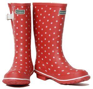 Rode regenlaarzen met witte stippen