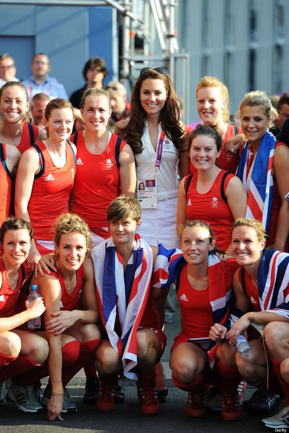 Duchess of Cambridge with bronze medal women's hockey team