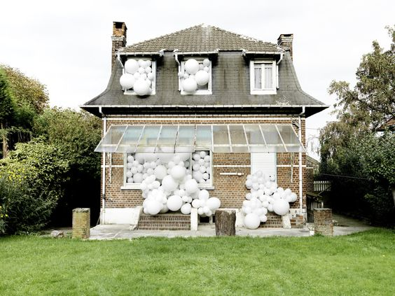 Charles Pétillon (France)   InvasionsWhite Balloons Spill Out The