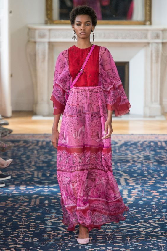 Red and pink combination at Valentino Spring/Summer 2017 Ready To Wear: