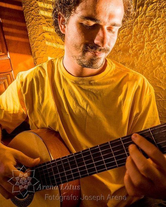 http://www.arenalotus.com/ Música Iluminada, com Daniel Cavalcanti!!! Quer ver mais? Entre no nosso site! Curtam nossa Fanpage! http://www.arenalotus.com/ #arenalotus #josepharena #photographyislifee #fotografia #fotógrafo #photography #photographer #angradosreis #rj #brasil #brazil #pessoas #people #feliz #happy #fofo #cute #música #music #músico #musician #violão #guitar