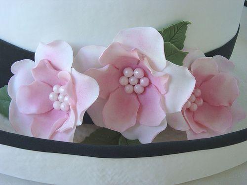 Ladie's Hat Cake (flowers) by springlakecake, via Flickr