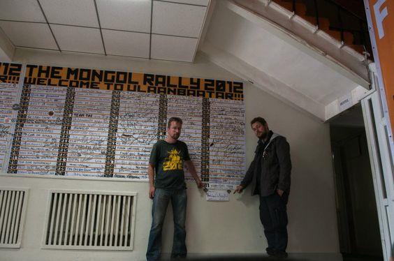 Und schon haben sich Rico und Fredrik in der Liste derer verewigt, die die Rallye gemeistert haben. Mehr unter http://www.absolutradio.de/blogs/ambulance-to-mongolia/ und bei http://mongolia.to