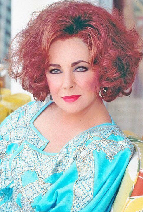 Pin By Susan Mazza On Hollywoodstars In 2020 Elizabeth Taylor Eyes Elizabeth Taylor Cleopatra Elizabeth Taylor
