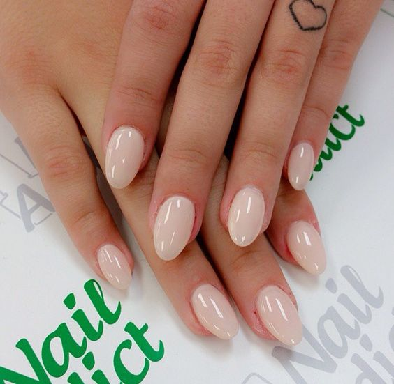 Neutral round acrylic nails
