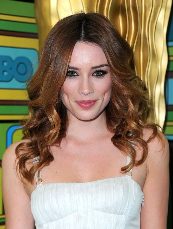 Pin for Later: Adam Levine's Model Girlfriends: A Ridiculously Good-Looking History Arielle Vandenberg Model and actress Arielle Vandenberg was linked to Adam for a few months in 2009.