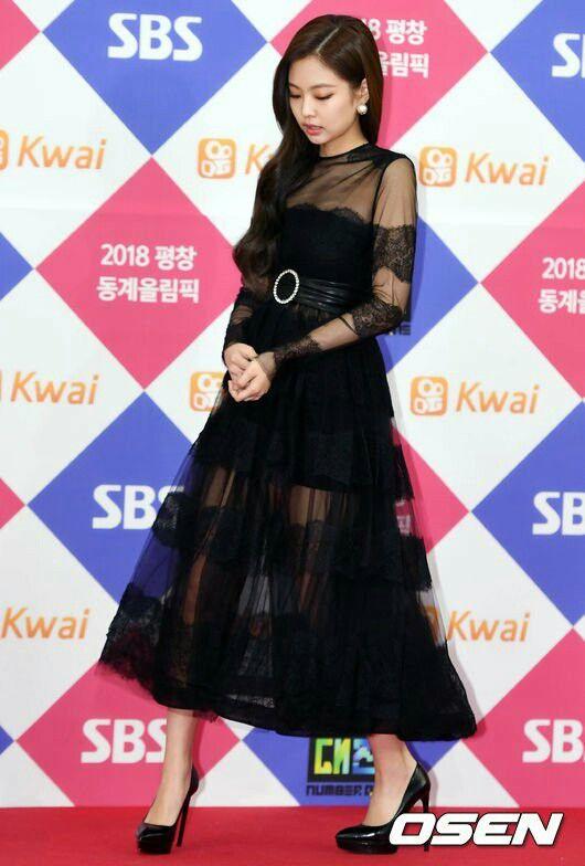 Pin Oleh Lynn Di Blackpink Wanita Gaya Model Pakaian Korea Selebritas