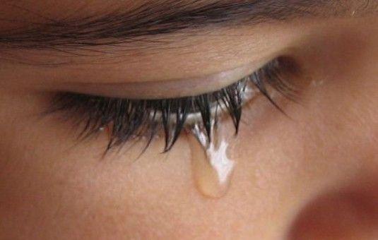 Download 89 Gambar Air Mata Menangis Terbaik Gratis Gambar Orang Orang Sedih