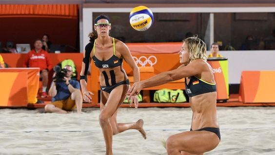 Die deutschen Beachvollyball-Frauen Ludwig/Walkenhorst haben im ersten Spiel ihre Medaillenambitionen untermauert. Dagegen kassierte das Team Borger/Büthe eine Niederlage.