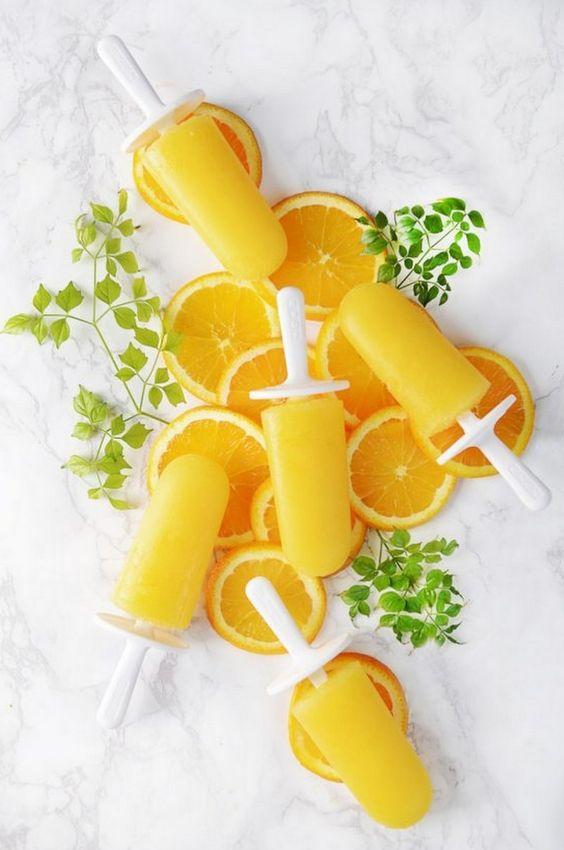 Se o chá de cozinha for em pleno verão, que tipo de drinks e sobremesas vocês disponibilizarão para suas convidadas? Já pensaram nisso? Nós temos a dica perfeita. Unimos o útil ao agradável e selecionamos uma receita  incrivelmente fácil de fazer: picolé de mimosa.    Venham:http://bit.ly/picole-de-mimosa    #casarei #chádecozinha #chádepanela