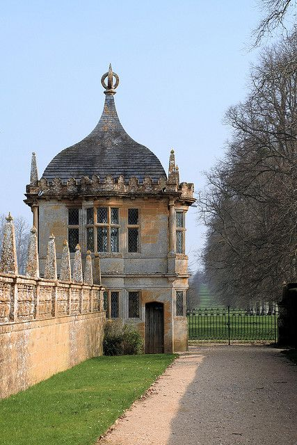 Montacute house summer houses somerset and house for Garden design yeovil