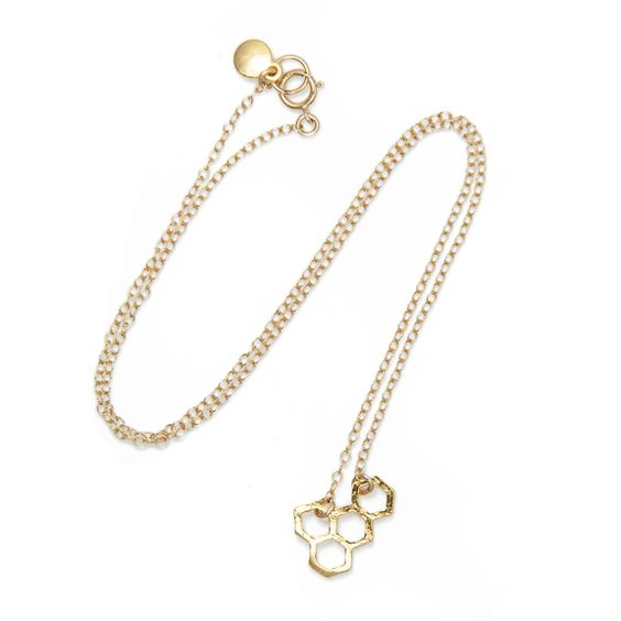 This honeycomb necklace by @gorjanagriffin  proves that charms are a perfect way to reflect your personal taste.