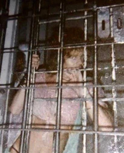 Compañera, hoy fallecida, detenida en 1990 en la comisaría de Munro. Archivo de Marcela la Rompe Coche