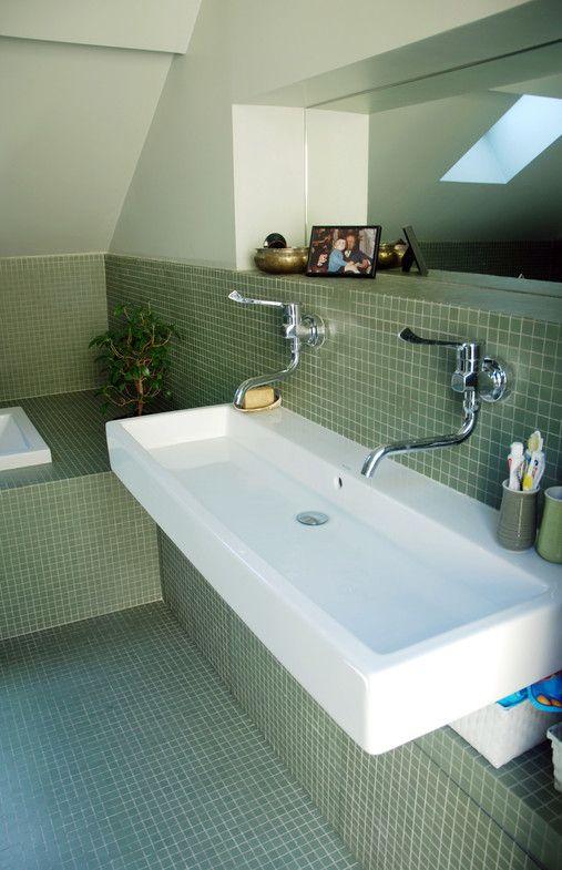 La mode schools and families on pinterest for Grande vasque salle de bain