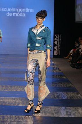 Diseños alumnos de Diseño de Indumentaria y Textil de Escuela Argentina de Moda Septiembre 2010