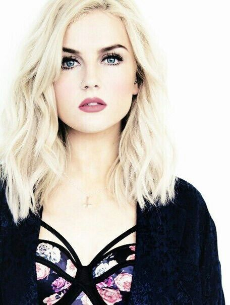 Imagem via We Heart It https://weheartit.com/entry/150039873/via/23048341 #perrieedwards #littlemix
