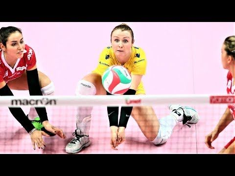Agata Witkowska Libero Volleyballs Actions Wgp 2017 Volleyball Digs Saves Women S Volleyball Youtube Women Volleyball Volleyball Dig Libero Volleyball