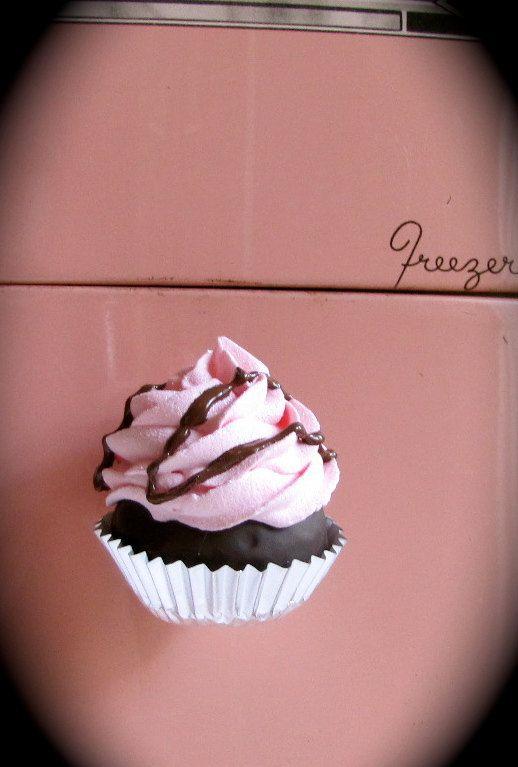 Fake+Cupcake+Swirly+Twirly+Magnet+Mini+by+12LegsCuriosities,+$6.00
