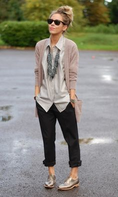 I like her style. The shoes and necklace are probably a bit too out there for me, but the base pieces I think would be all good staples for my closet.