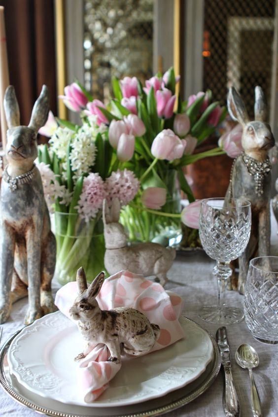 Romancing the Home Easter Table: Loving the bejeweled bunnies.: