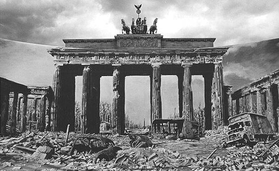 1945 War is over, Berlin destroyed!